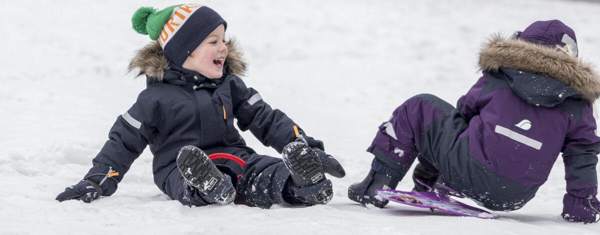 Laste talvejoped on soojad, niiskuskindlad ja hingavad. Talvejopega saab laps minna lasteaeda või kooli kui ka aktiivselt veeta puhkepäevi. Meie kauplustes on tunnustatud, kvaliteetsete brändide talvejopede valik igas vanuses lastele.
